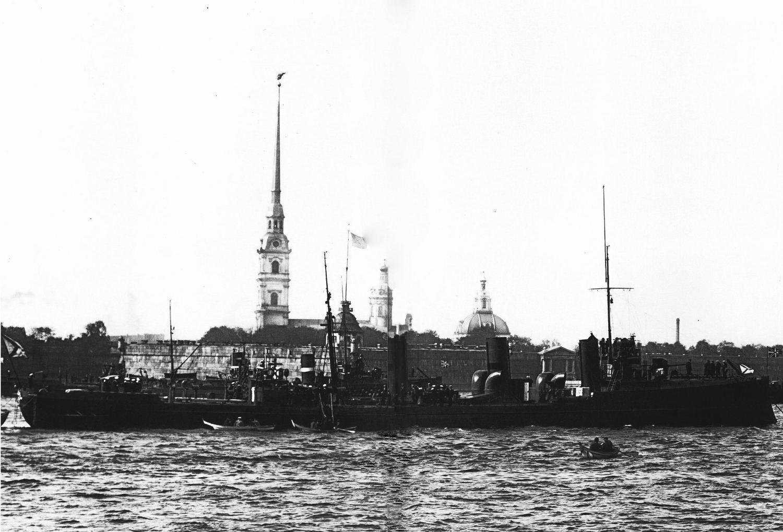 Миноносцы «Доброволец» и «Пограничник» построенные на добровольные пожертвования. 1912.